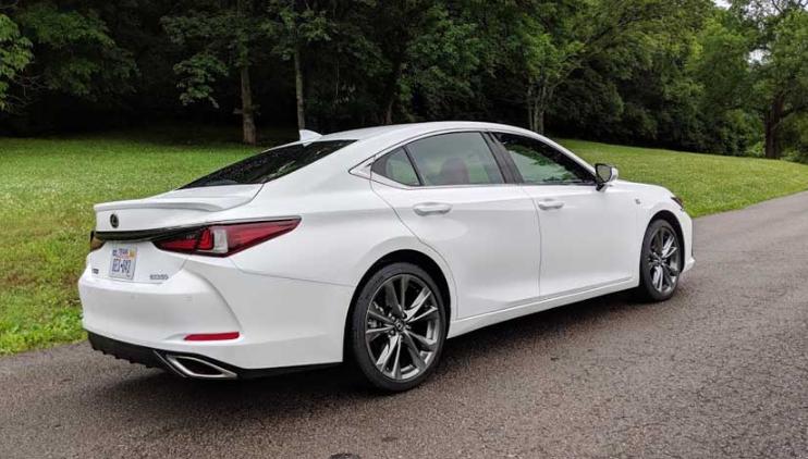 2021 Lexus ES 300h Exterior